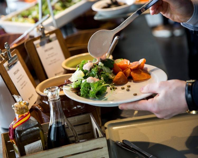Kay Fiskers Plads 2 - 4: Lækker frokost